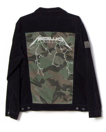 Metallica: des vêtements hommage au surfeur décédé