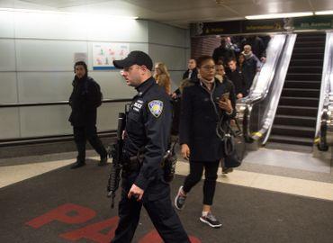 Explosion à New York: trois lignes de métro évacuées, une personne arrêtée