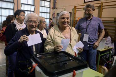 Référendum en Catalogne: la tension monte entre la police nationale et les indépendantistes