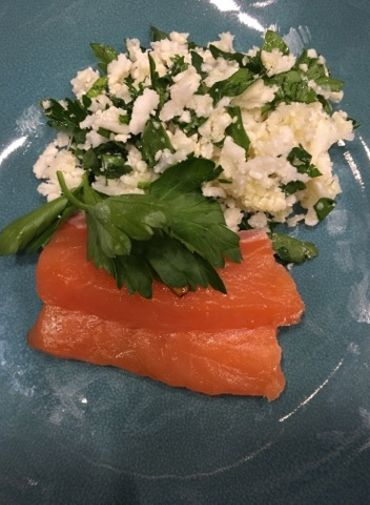 Recettes de Carlo : Wok de chou-fleur et taboulé de chou-fleur et sashimi de saumon