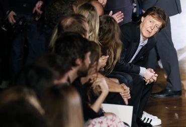 Paul McCartney pendant le défilé Stella McCartney.