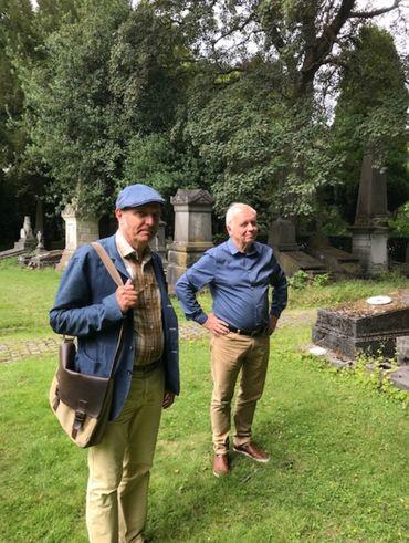 Guy Lemaire et Philippe Baudot au Cimetière d'Evere