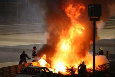 Romain Grosjean prisonnier des flammes à Bahreïn