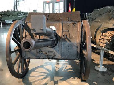 Le canon offert par la ville de Mons