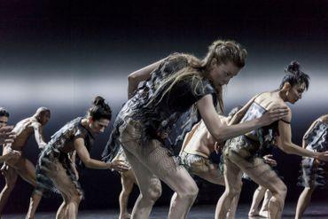 "Les ""Kreatur"" extraordinaires de Sasha Waltz, miroir humain multi-facettes"
