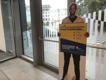 La dernières campagne d'Actiris pour apprendre les langues avait cartonné grâce à Vincent Kompany. Du coup, l'agence fait à nouveau appel au footballeur pour ses nouvelles publicités à venir