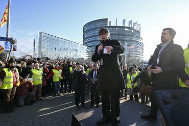 Puigdemont et Comin devant le parlement européen à Strasbourg, le 14 janvier