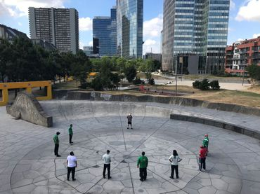 Le parkour, comme une dizaine d'autres sports de plein air, sont testés en condition réelle cet été dans plusieurs parcs.