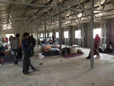 Le passage obligé à Zaatari.Le hangar où les réfugiés passent la première nuit avant de recevoir une tente ou une caravane