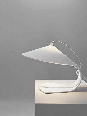 """La lampe """"Hanoi"""" de Federico Churba"""