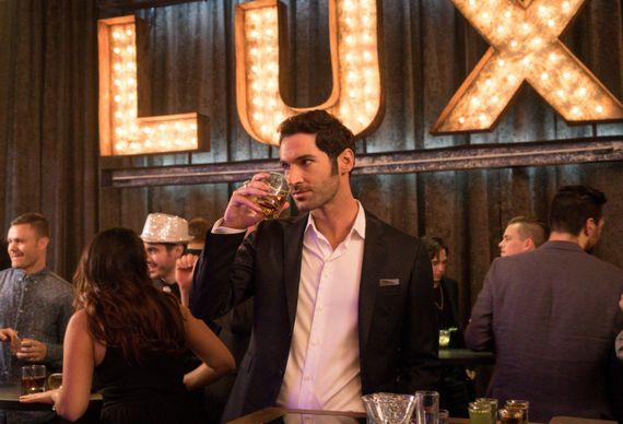 """""""Lucifer"""", une série policière pleine d'humour sur La Une"""
