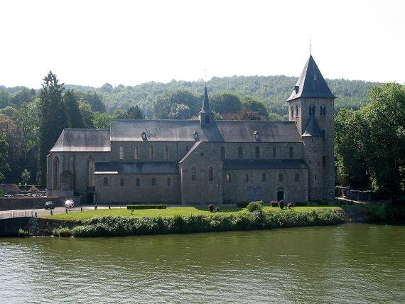 L'église abbatiale Saint-Pierre (XIe siècle)