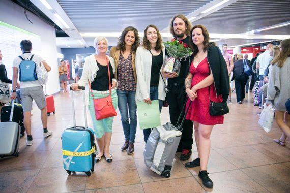 Yvette, Stéphanie et leur famille