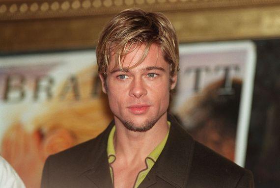 """Brad Pitt le sex-symbole (ici : en 1997, pour la promo de """"Sept ans au Tibet)"""