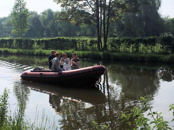 Navigation sur le Canal de Blaton