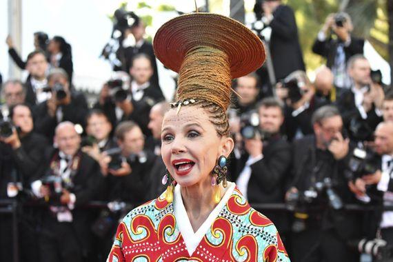 Victoria Abril , Festival de Cannes  le pire et le meilleur du tapis rouge  !