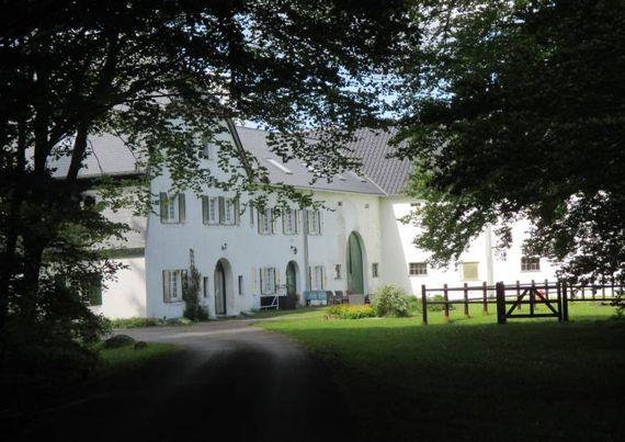 Séjourner dans une demeure historique équipée de tout le confort moderne ? C'est ce que proposent les propriétaires de l'ancienne ferme prussienne « Gut Eidt ».