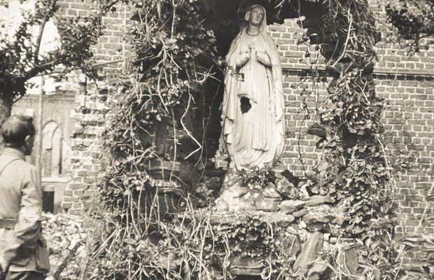 A statue of the Virgin in the midst of the rubble  - Private collection, Mr. Boone ©