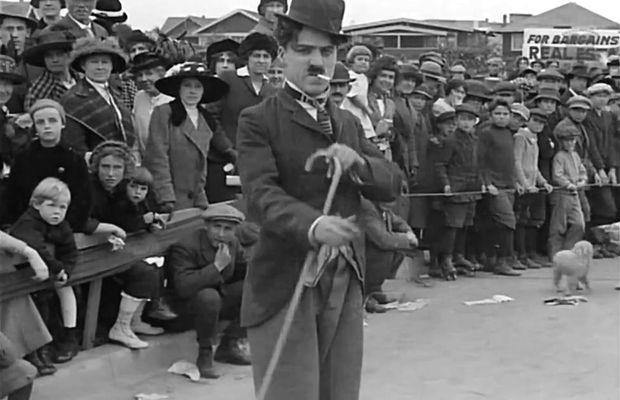 """Les débuts de Charlot dans """"Charlot est content de lui"""" (1914)    - Tous droits réservés ©"""