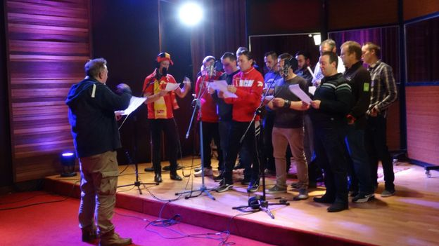Enregistrement de l'hymne au studio ICP