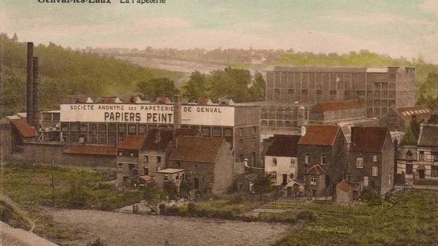 En 1911, les Papeteries de Genval voit le jour. A partir de 1923, elle se lance dans la production de Balatum