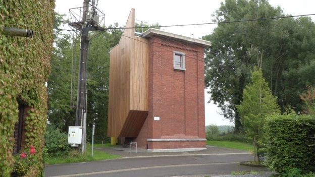 Maison atypique des années 30 transformée en une très belle maison familiale quasi passive