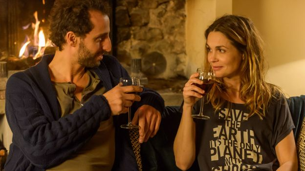 Elmaleh et Schulz : un couple se forme sur la série « Le mystère du lac »