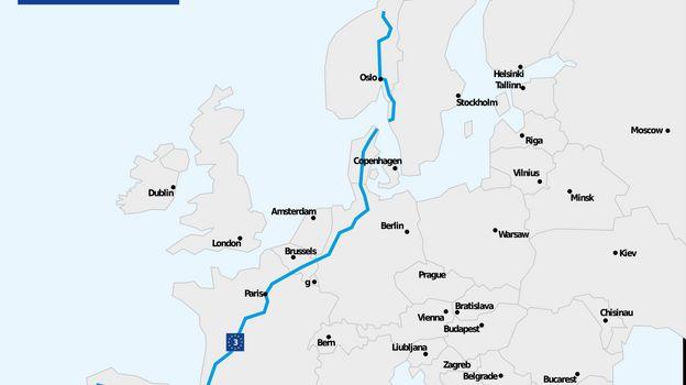 Vous cherchez un itinéraire culturel pour votre prochain voyage à vélo ? La véloroute des pèlerins retrace le célèbre chemin de Saint-Jacques de Compostelle, tout en traversant de grandes villes comme Oslo, Göteborg, Hambourg, Cologne, Paris et Bordeaux
