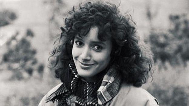 """Jennifer Beals, l'actrice de """"Flashdance"""", toujours au top à 53 ans !"""