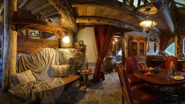 concours le hobbit 3 gagnez un s jour insolite en maison de hobbit rtbf films. Black Bedroom Furniture Sets. Home Design Ideas