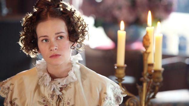 "Annabelle Hettmann dans ""La peau de chagrin"""