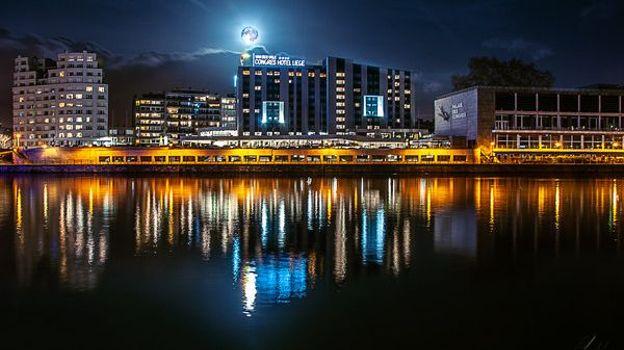 Le Congres Hôtel Liège est  situé en bord de Meuse, à côté du Parc de la Boverie,