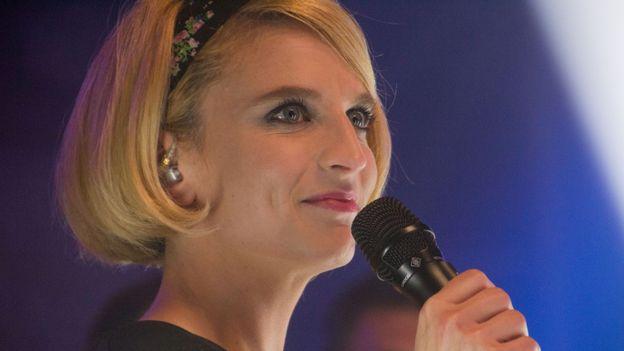 Fanny Gillard présente pour la première fois D6bels Francofolies en live depuis Spa