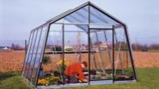 Comment bien choisir une serre - RTBF Jardins loisirs