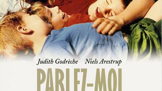 Sa première réalisation, largement autobiographique, avec Judith Godrèche et Niels Arestrup.