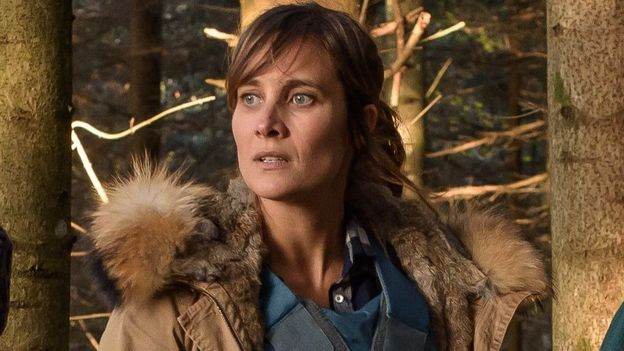 """Qui est Julie de Bona, la remplaçante de Barbara Schulz dans """"Le tueur du lac"""" ?"""