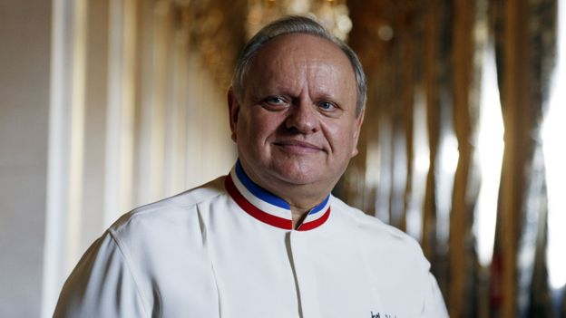 Cyril Lignac rend hommage à Joël Robuchon