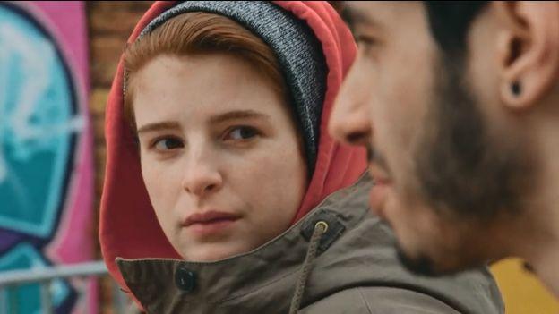 Clara dans l'épisode la Web série : Appelez-moi Antoine Bommel #épisode4