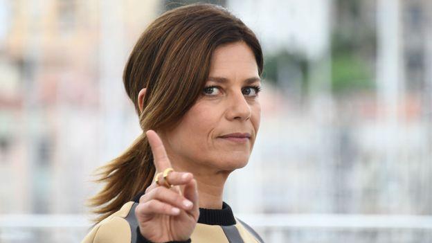 "Moquée dans ""Burger Quiz"", Marina Foïs réagit !"
