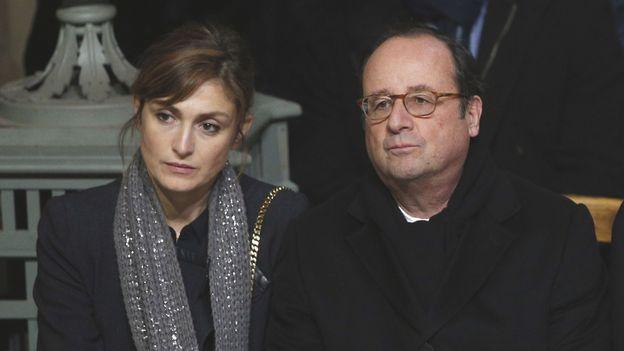 Julie Gayet et François Hollande lors de l'hommage populaire à Johnny Hallyday.
