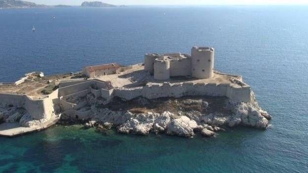La France des mystères : Donjons et forteresses