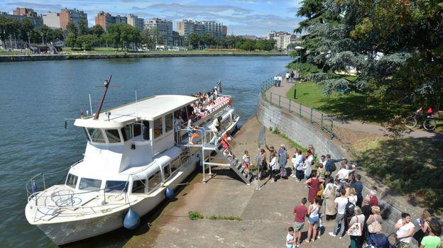 En plus d'être une attraction touristique pratique pour découvrir les quartiers emblématiques de la ville, la navette peut également servir de moyen de transport idéal pour les Liégeois.