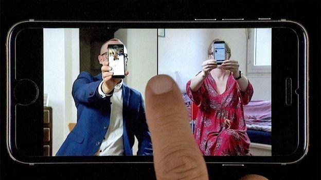 Le téléphone portable, une arme d'addiction massive dans DOC SHOT