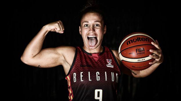 Marjorie Carpreaux de l'équipe féminine de basket-ball nationale belge 'The Belgian Cats' avant les championnats d'Europe Eurobasket 2019. À voir sur Auvio les 27, 28 et 29 juin en exclusivité !