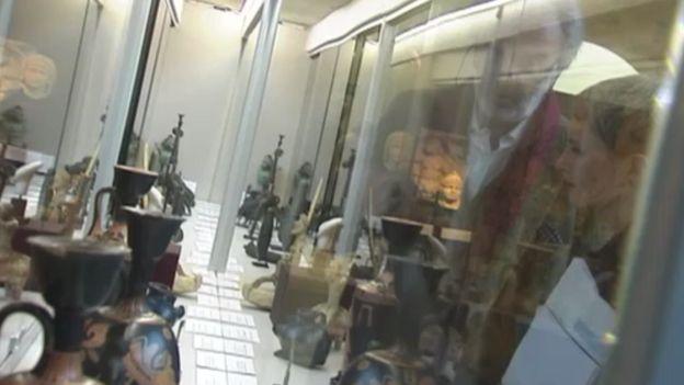 La Belgique plaque tournante du trafic d'oeuvres d'art au profit du terrorisme ? Notre journaliste enquête à la Brafa...