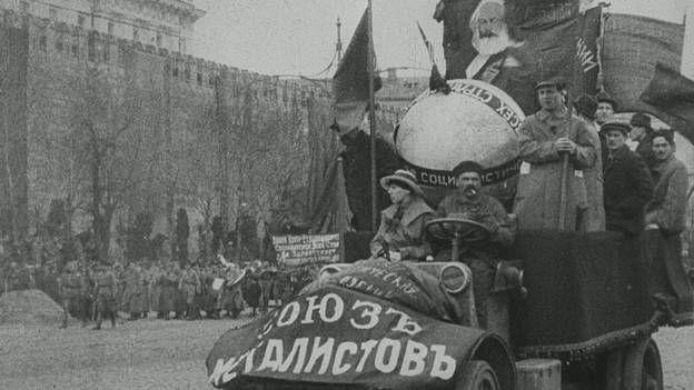 La première guerre froide dans Retour aux sources