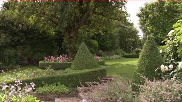 Le jardin est entretenu avec beaucoup de soin