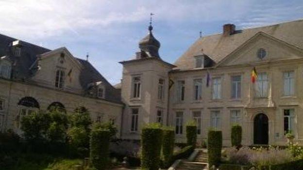 Durant la durée des travaux de rénovation de l'Hôtel des Libertés, le bureau d'accueil de la Maison du Tourisme Hesbaye brabançonne se situe au Château Pastur.
