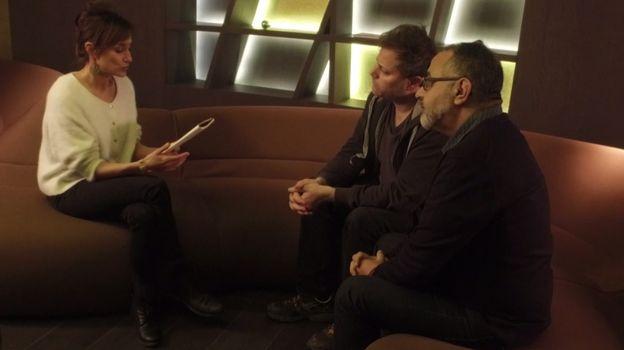 Une interview croisée émouvante entre Hassan Jarfi et Milo Rau dans Jour de Relâche