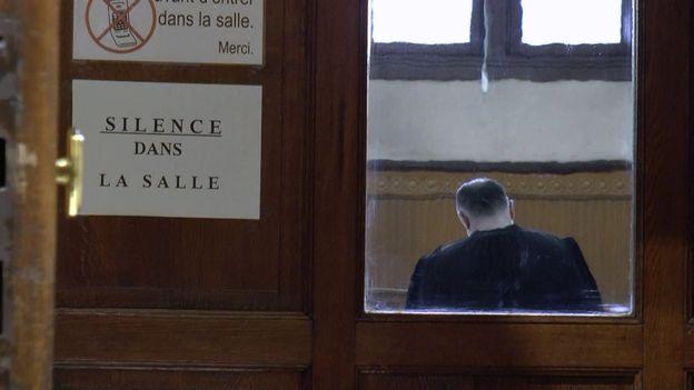 """""""Justice, on ferme"""" dans Devoir d'enquête """"Spéciale Justice"""""""